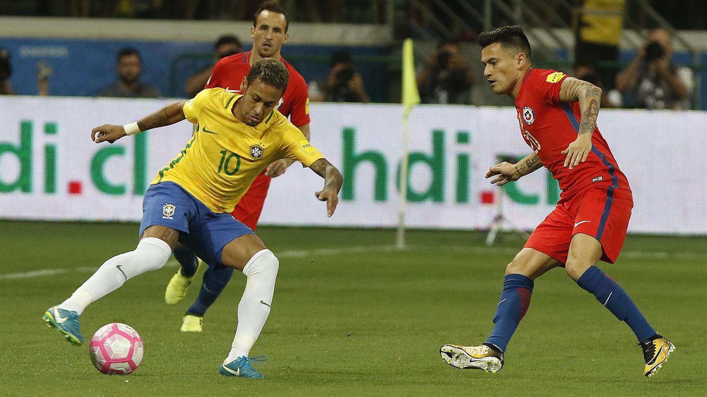 Esta sería la formación de Chile para enfrentar a Brasil